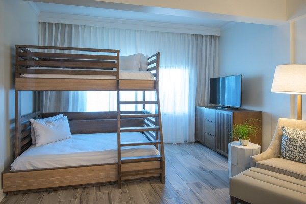 Hawks Cay Family Guestroom with Bunk Beds