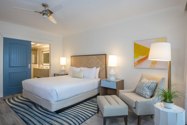 Hawks Cay Guestroom - Water View King