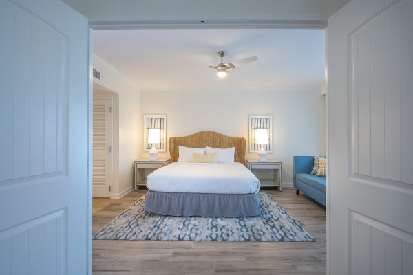 Hawks Cay Guestroom - One Bedroom Presidential Suite - Entry View