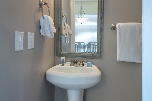 Hawks Cay Villas Harbor Village Townhouse Bathroom in the Florida Keys