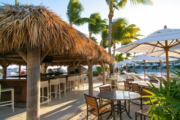 Beachside restaurant at Hawks Cay