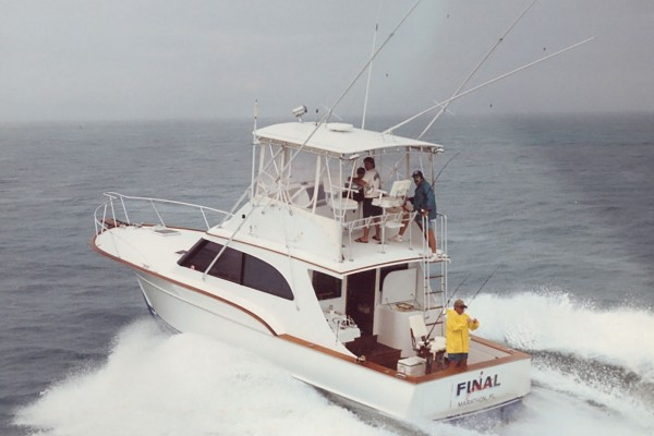 Big Game fishing charter Final Final leaving from the Hawks Cay Marina in the Florida Keys